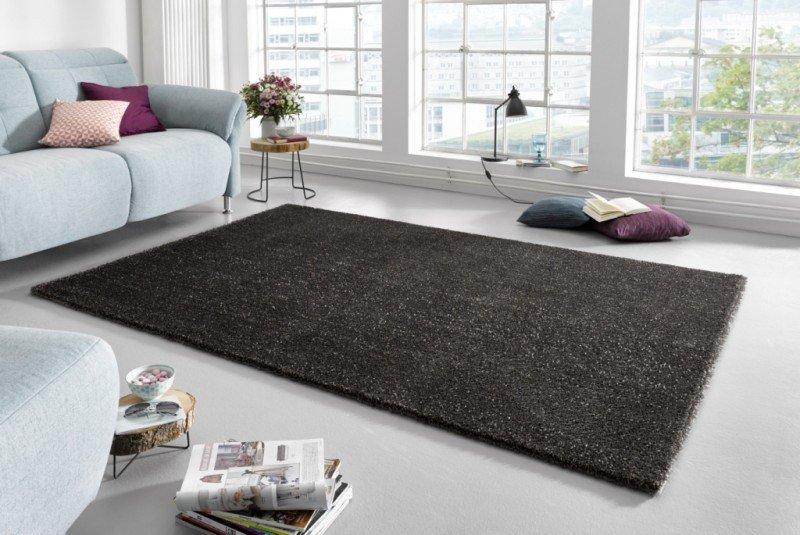 Černý kusový koberec Glam - délka 110 cm a šířka 60 cm