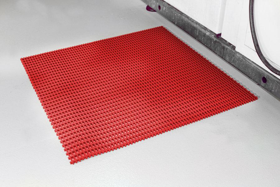 Červená univerzální průmyslová olejivzdorná rohož (mřížka 30 x 30 mm) - délka 10 m, šířka 60 cm a výška 1,2 cm