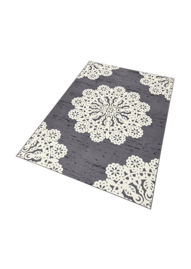 Šedý kusový moderní koberec Gloria