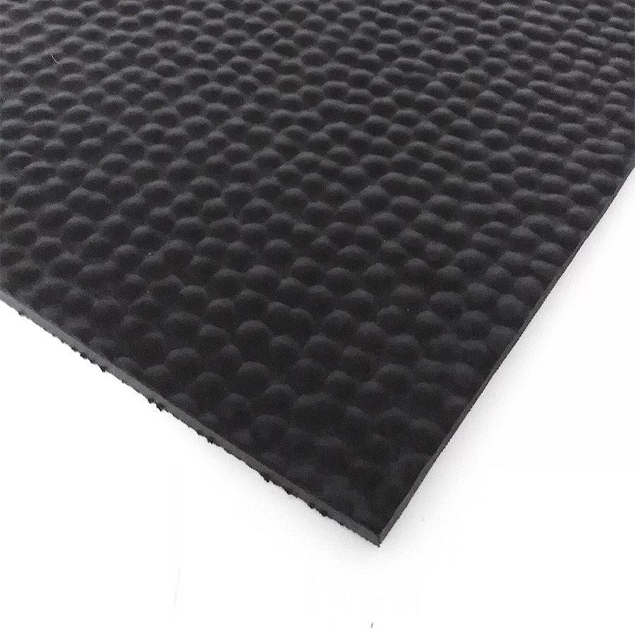 Černá kladívková metrážová podlahová guma FLOMA - šířka 120 cm a výška 1,8 cm