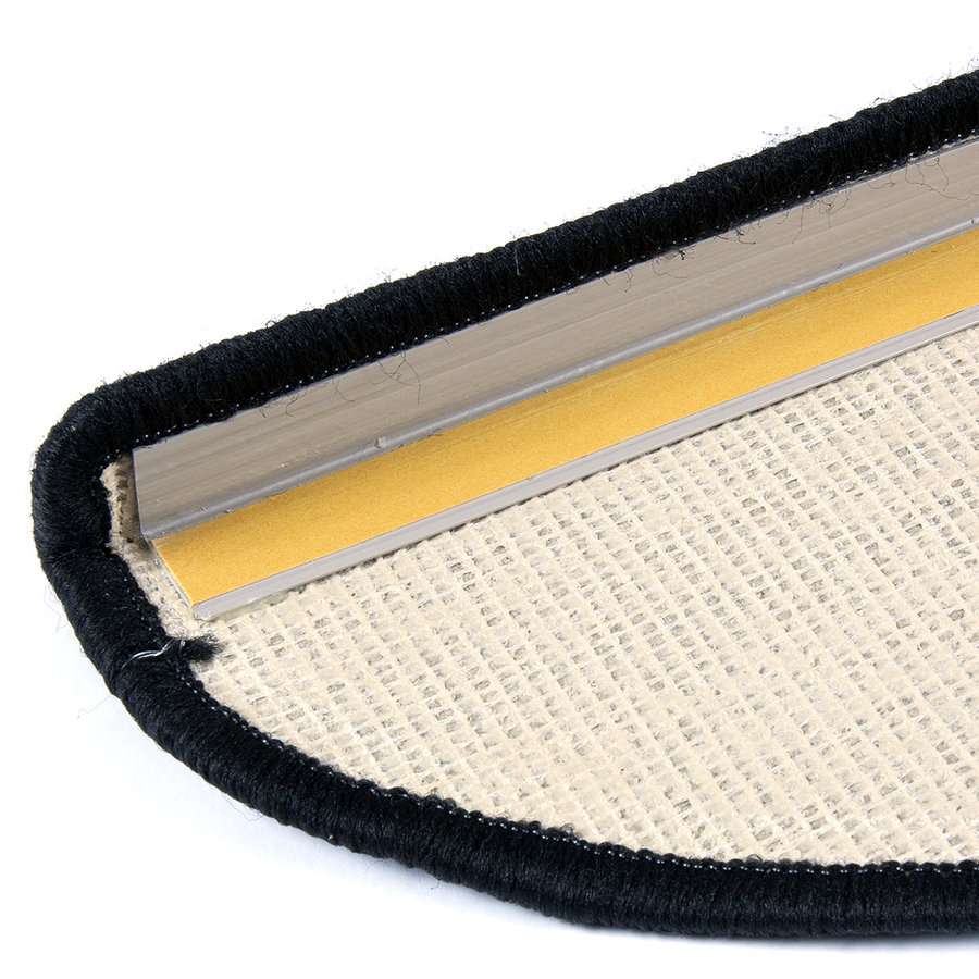 Béžový kobercový půlkruhový nášlap na schody Eton - délka 24 cm a šířka 65 cm
