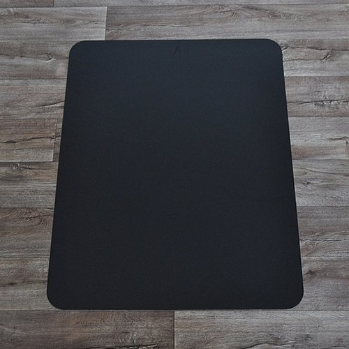 Černá podložka pod židli na hladké povrchy - délka 120 cm, šířka 90 cm a výška 0,15 cm
