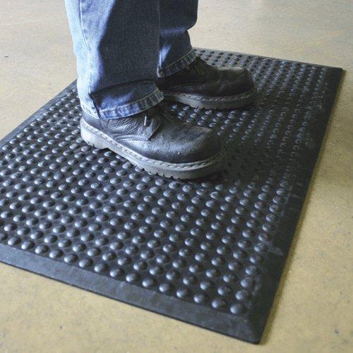 Černá gumová protiúnavová průmyslová rohož - délka 90 cm, šířka 60 cm a výška 1,4 cm
