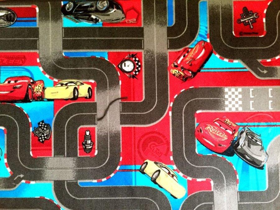 Různobarevný dětský hrací koberec Auta 3