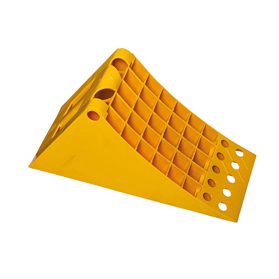 Plastový zakládací klín (pro vozidla nad 3,5 t) - délka 48 cm, šířka 20 cm a výška 24 cm