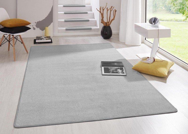 Šedý kusový koberec Fancy