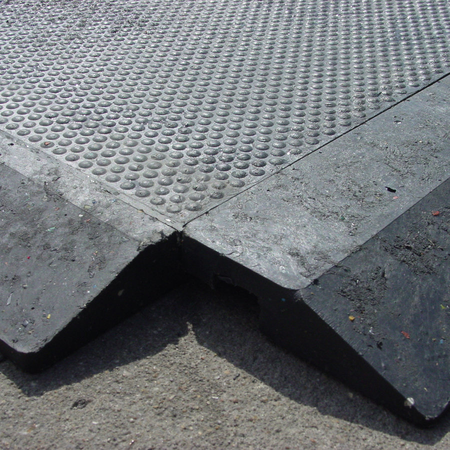Plastová interierová kuličková podlahová deska - délka 120 cm, šířka 80 cm a výška 2,2 cm