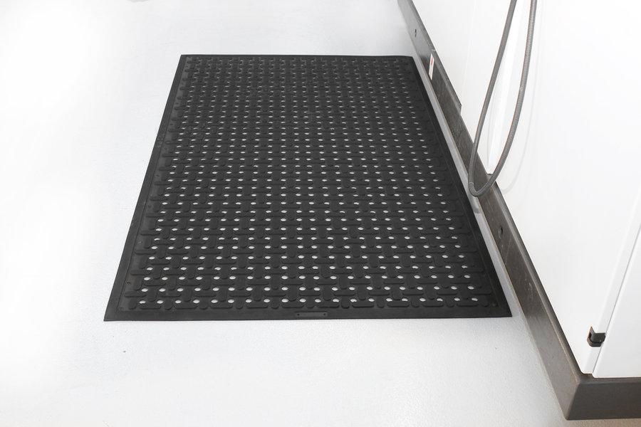 Černá gumová protiskluzová kuchyňská antibakteriální rohož (100% nitrilová pryž) - délka 150 cm, šířka 85 cm a výška 0,9 cm