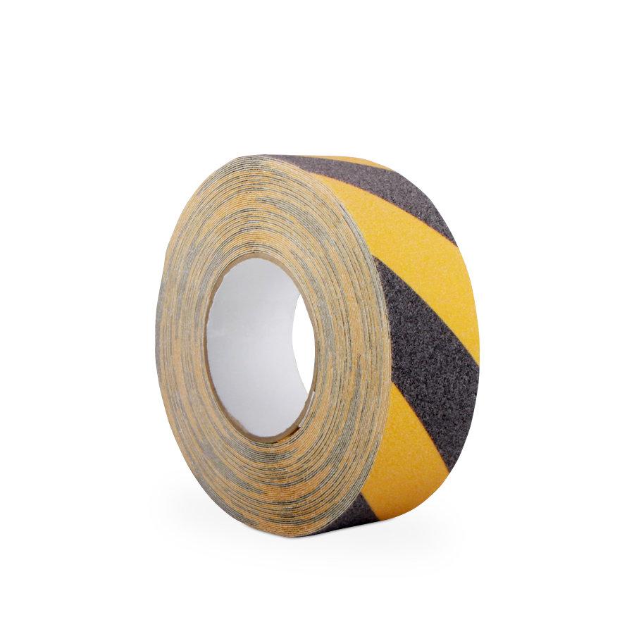 Černo-žlutá korundová protiskluzová samolepící podlahová páska - délka 18,3 m a šířka 5 cm