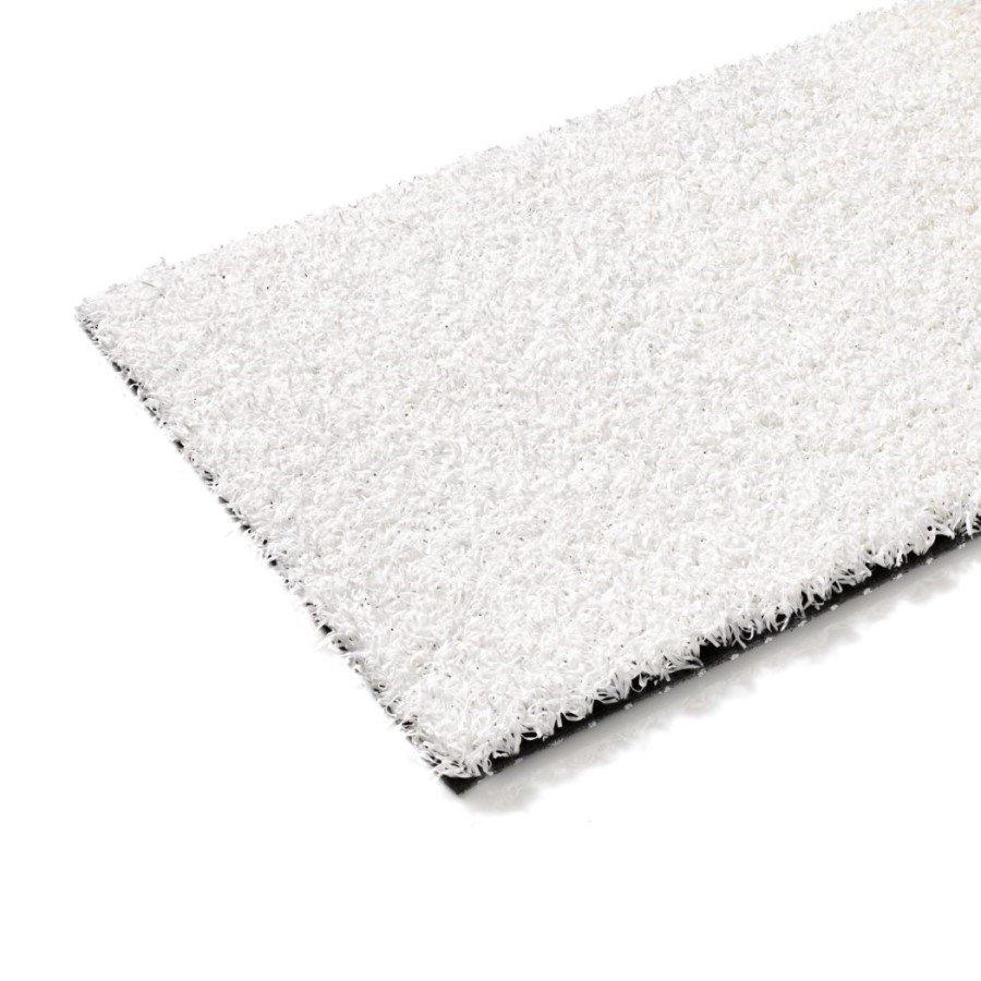 Bílý metrážový umělý trávník FLOMA Colourfull Grass White - délka 1 cm a výška 1,4 cm