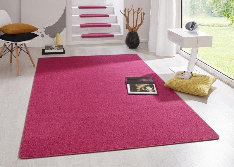 Růžový kusový koberec Fancy