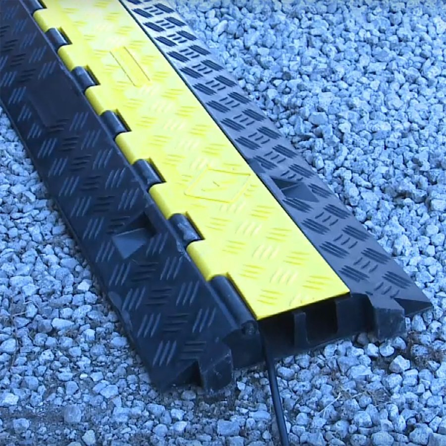Černo-žlutý plastový kabelový most s víkem - délka 100 cm, šířka 25 cm a výška 4,5 cm