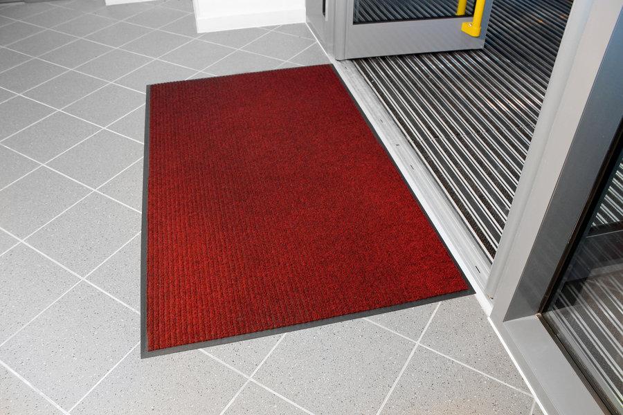 Červená textilní vstupní vnitřní čistící rohož - délka 90 cm, šířka 120 cm a výška 0,7 cm
