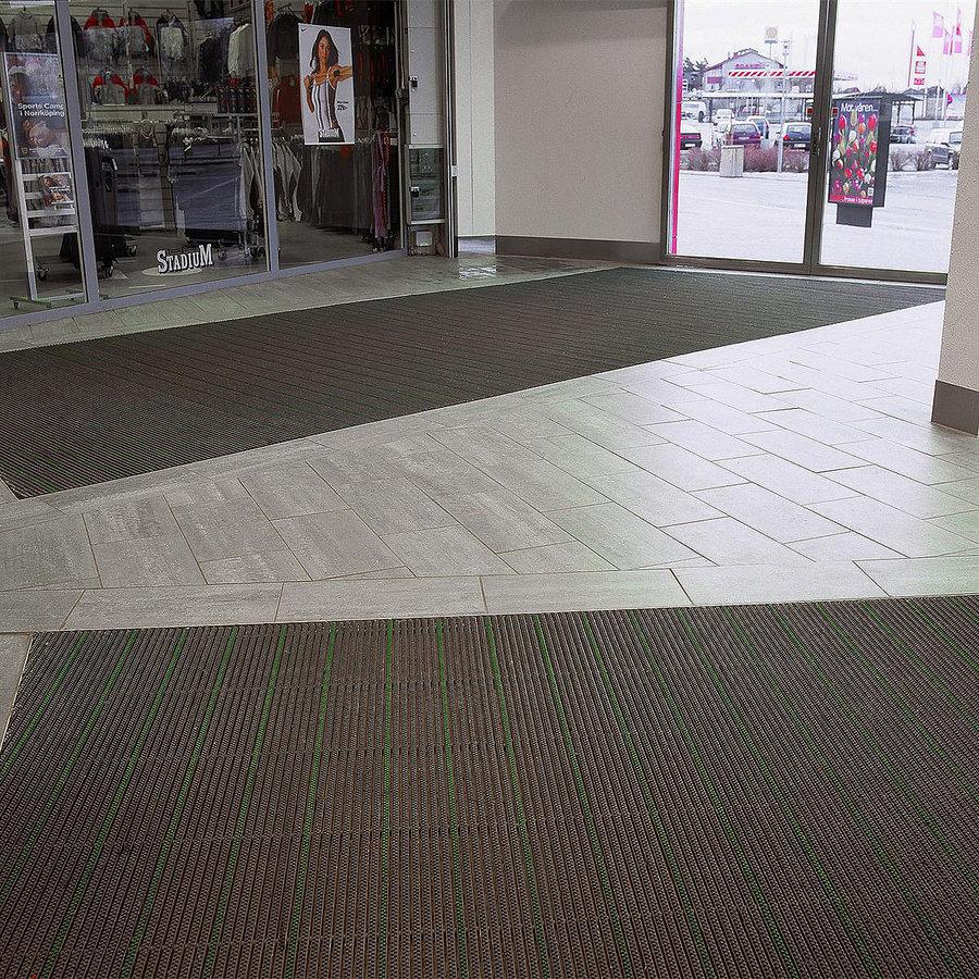 Plastová kartáčová venkovní vnitřní vstupní rohož Wellbru, FLOMA - délka 100 cm, šířka 100 cm a výška 2,2 cm