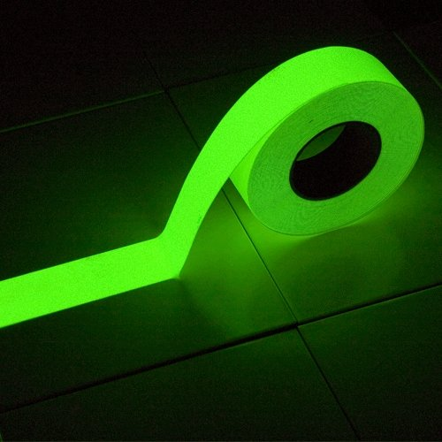 Korundová fotoluminiscenční protiskluzová samolepící podlahová páska - délka 18 m a šířka 5 cm