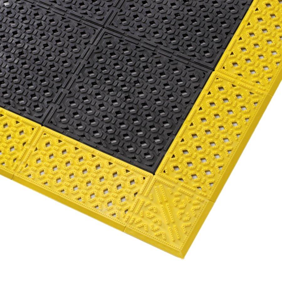 Černá plastová děrovaná rohož Cushion Lok HD - výška 2,2 cm