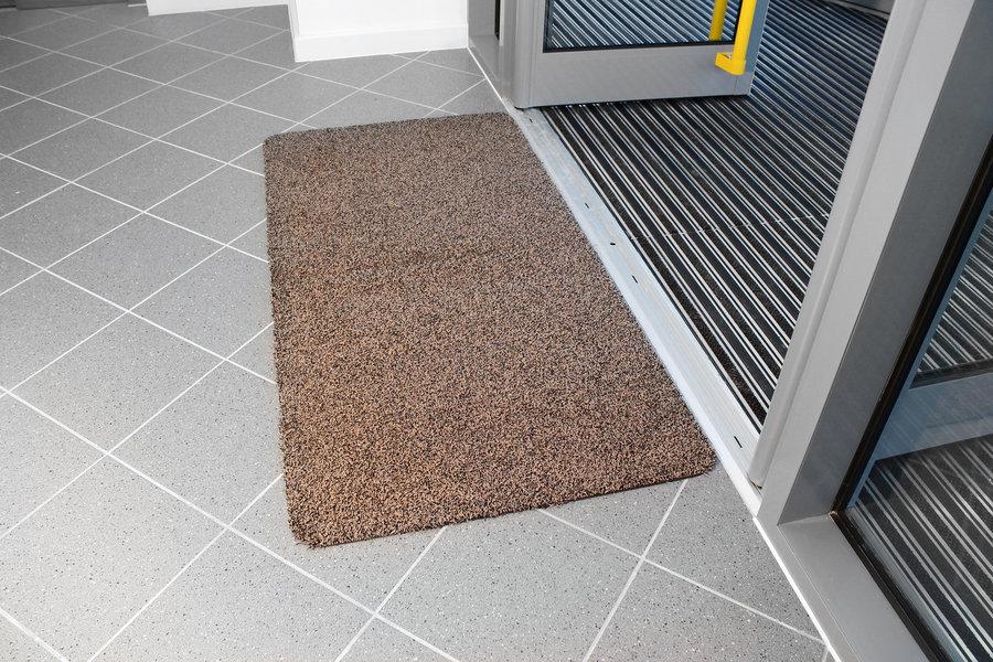 Hnědá bavlněná vstupní vnitřní čistící rohož - délka 150 cm, šířka 75 cm a výška 0,4 cm