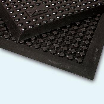 Černá průmyslová protiúnavová olejivzdorná rohož - délka 90 cm, šířka 60 cm a výška 1,4 cm