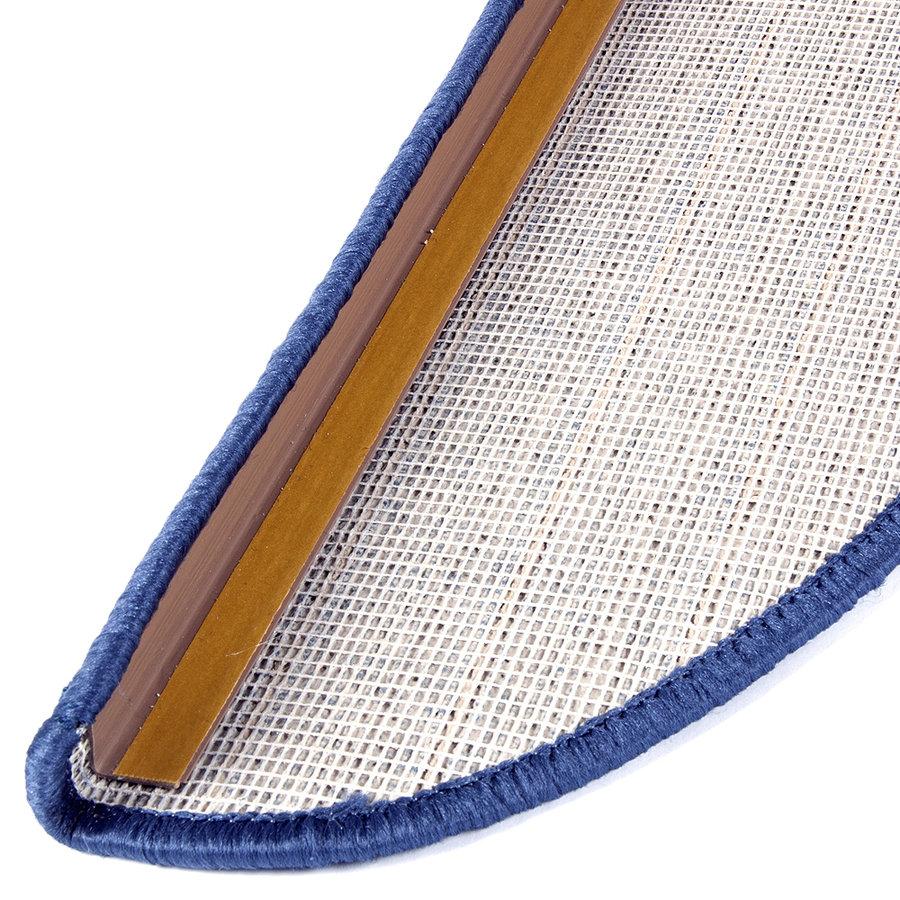 Béžový kobercový půlkruhový nášlap na schody Udinese - délka 20 cm a šířka 65 cm