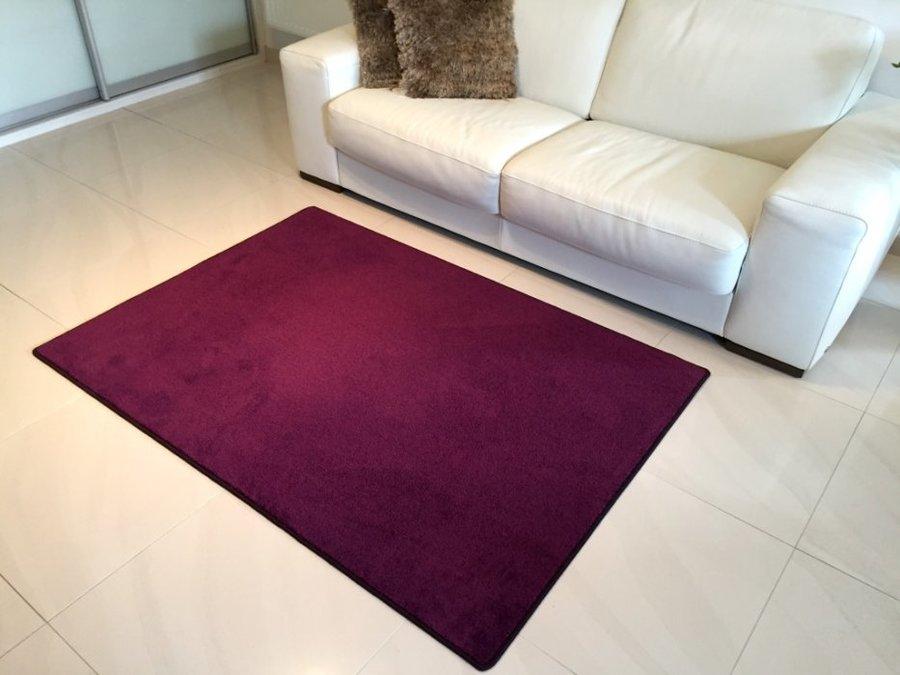 Fialový kusový koberec Eton - délka 80 cm a šířka 50 cm