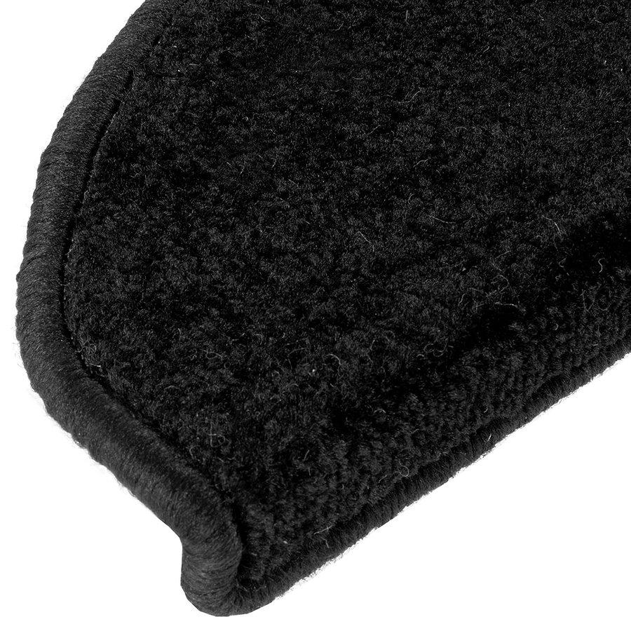 Černý kobercový půlkruhový nášlap na schody Eton - délka 20 cm a šířka 65 cm