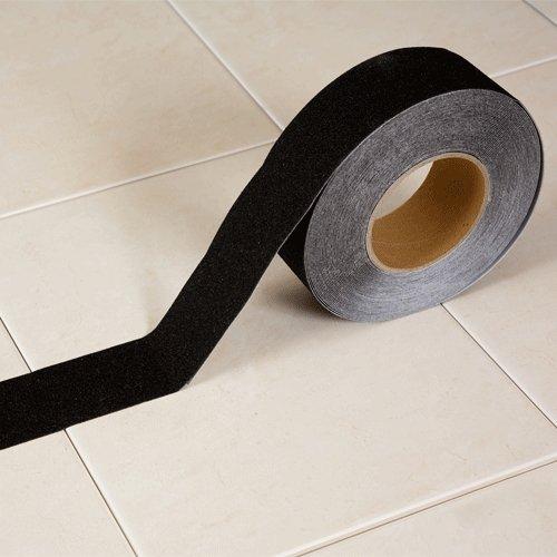 Černá korundová protiskluzová samolepící podlahová páska - délka 18 m a šířka 5 cm