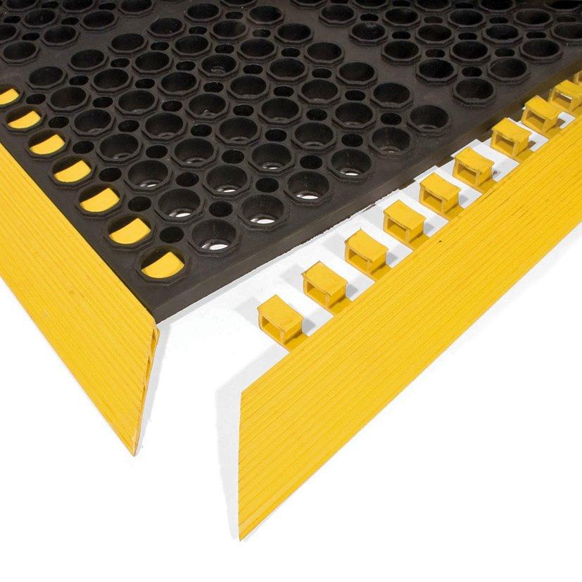 Žlutá gumová náběhová hrana COBA Deluxe - délka 107,4 cm, šířka 5 cm a výška 1,9 cm
