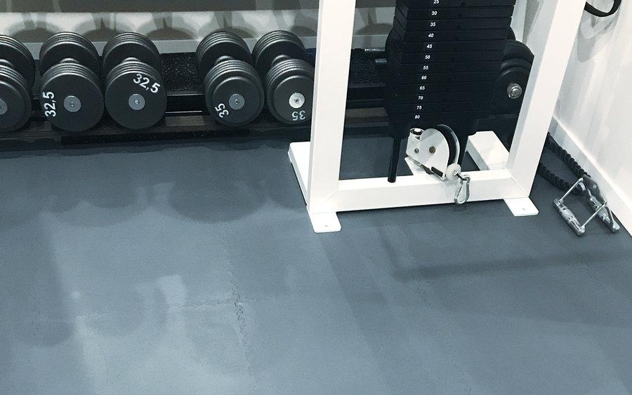 Plastová podlaha do posilovny