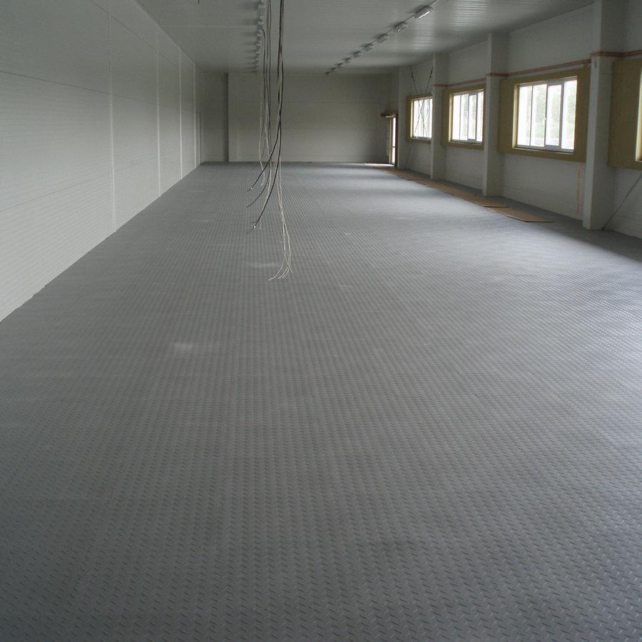 Plastové dlaždice Fortelock ve verzi Industry nebo Light - nová podlaha v komerčních prostorech  - grafitová barva, dezén diamant.