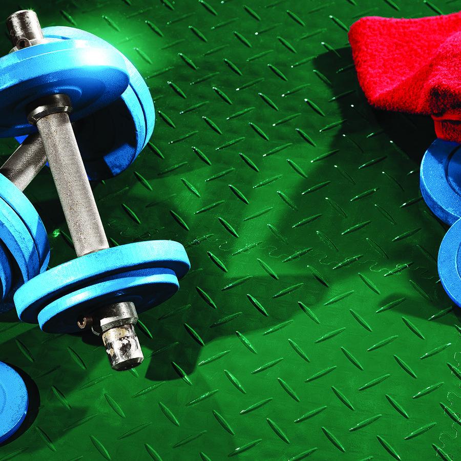 Plastové dlaždice Fortelock ve verzi Industry nebo Light - podlaha ve fitness - zelená barva, dezén diamant.