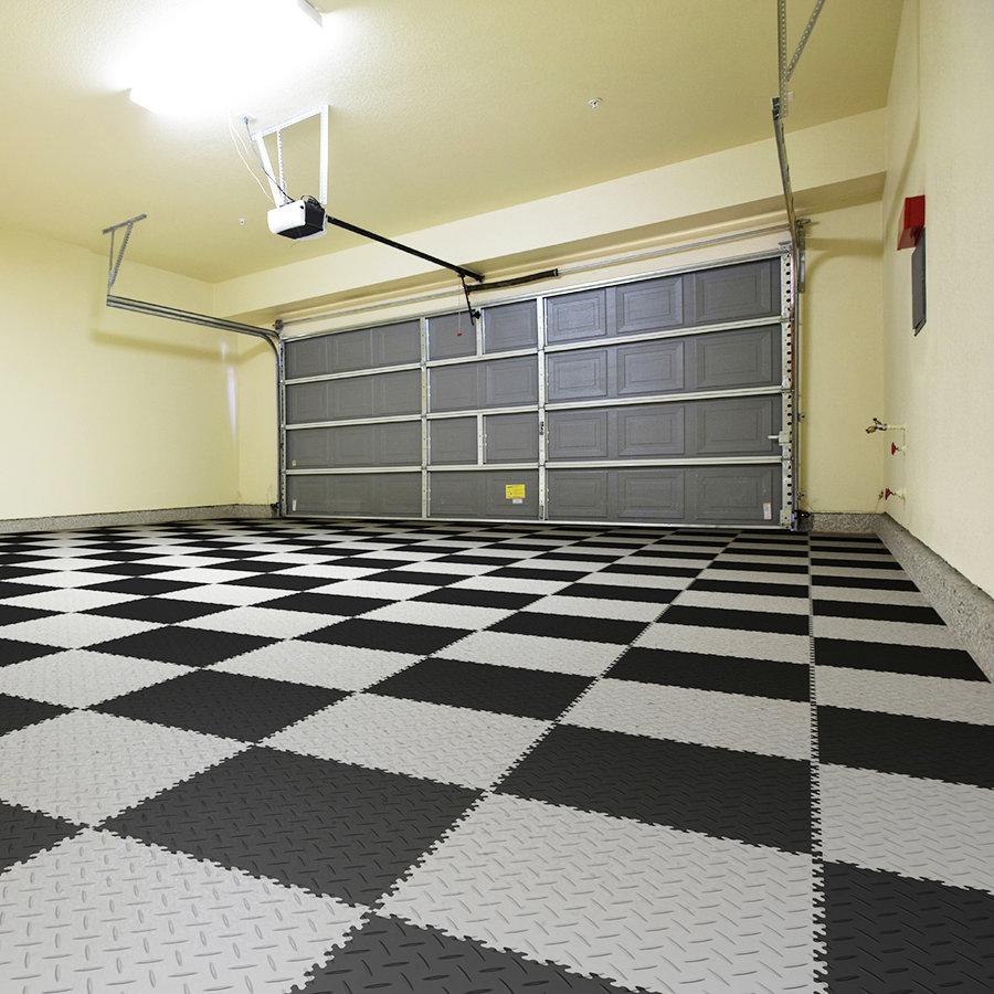 Plastové dlaždice Fortelock Industry - nová podlaha v garáži - šedo-černá mozaika, dezén diamant.