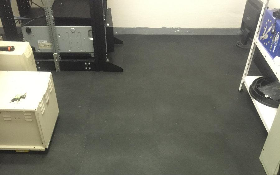 Plastová podlaha do skladu